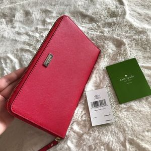 Kate spade laurel way Chili red travel wallet
